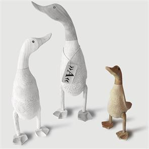 Ente »Ammelie« - klein beige-braun aufrecht ohne Schuhe