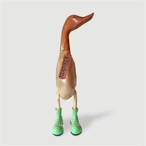 Ente »Claudette« riesengroß beige-braun aufrecht mit grünen Schuhen