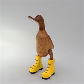 Ente »Jule« klein braun aufrecht  mit gelben Schuhen