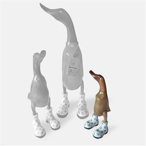 Ente »Ina« - klein braun aufrecht mit weißen Blümchenschuhen