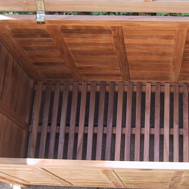 Gartentruhe mit flachem Deckel groß 123 cm Teak mit Messingbeschlägen
